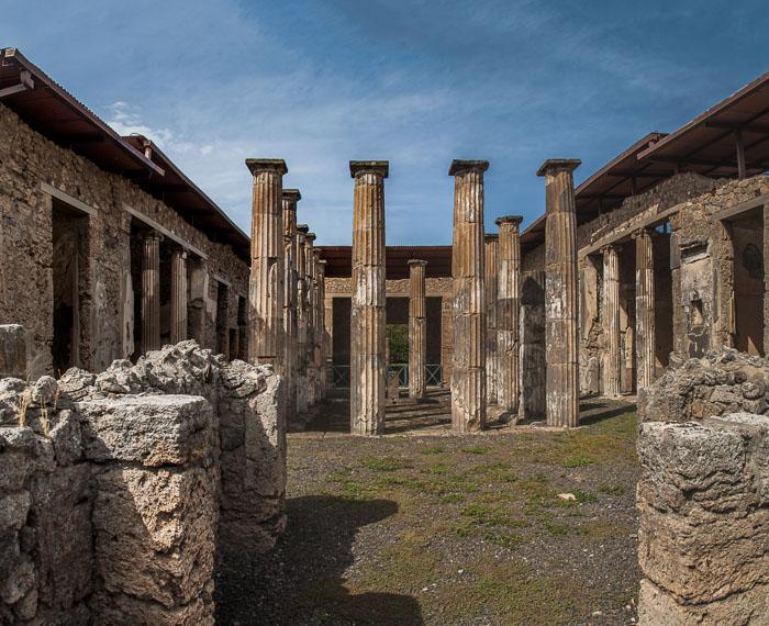 House of the Lyre, Pompeii